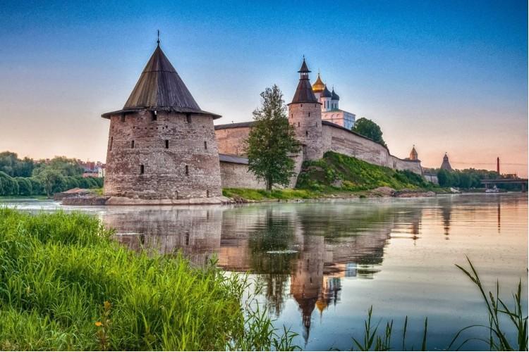 Питер – Псков – Пушкинские горы – Великий Новгород - Выборг