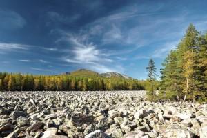 Большая каменная река