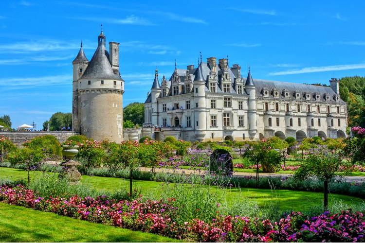 Париж и замки Луарской долины