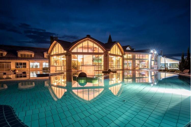 Отдых и лечение на курортах Шарвар и Бюк